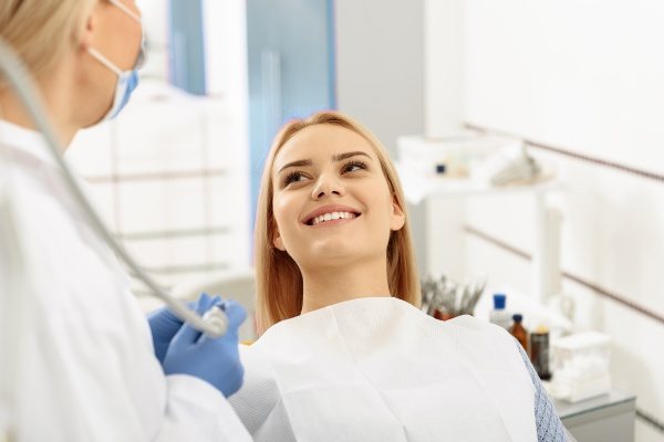 Reasons To Go To A Root Canal Specialist For Treatment